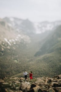 TRAIL RIDGE ROAD ENGAGEMENT | SUMMER + JORDAN I Justyna E Butler I Colorado Weddings & Elopement Photographer I Rocky Mountain National Park Wedding Photographer I Adventure