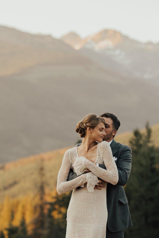 ROCKY MOUNTAIN NATIONAL PARK VOWS RENEWAL I ARRIN + ASHLEY | Justyna E Butler I Colorado Weddings & Elopement Photographer I Rocky Mountain National Park Wedding Photographer I Adventure
