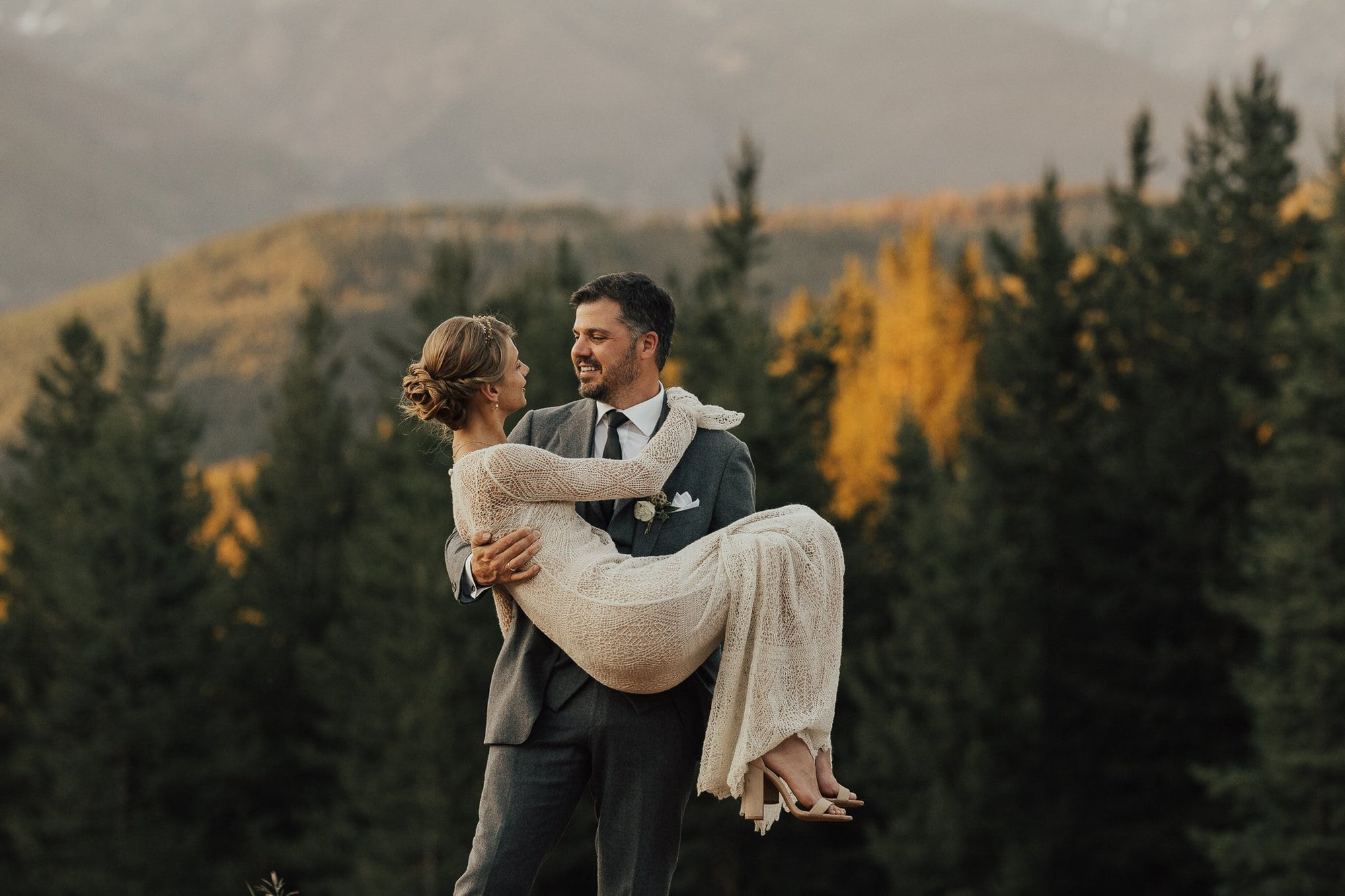 Colorado mountain Wedding Photographer, Vail, Colorado, 10th Mile Station, Justyna E Butler Photography