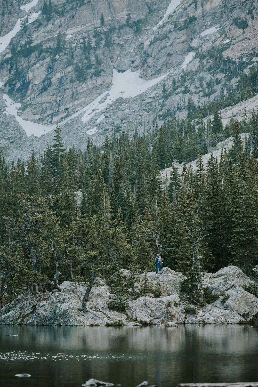 TRAIL RIDGE ROAD ENGAGEMENT | SUMMER + JORDAN I Justyna E Butler I Colorado Weddings & Elopement Photographer I Rocky Mountain National Park Wedding Photographer I Adventure