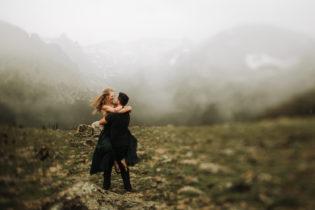 ESTES PARK ENGAGEMENT PHOTOGRAPHY |TRAIL RIDGE ROAD ENGAGEMENT | JUSTYNA E BUTLER PHOTOGRAPHY | ROCKY MOUNTAIN NATIONAL ENGAGEMENT|COLORADO MOUNTAINENGAGEMENT PHOTOGRAPHER
