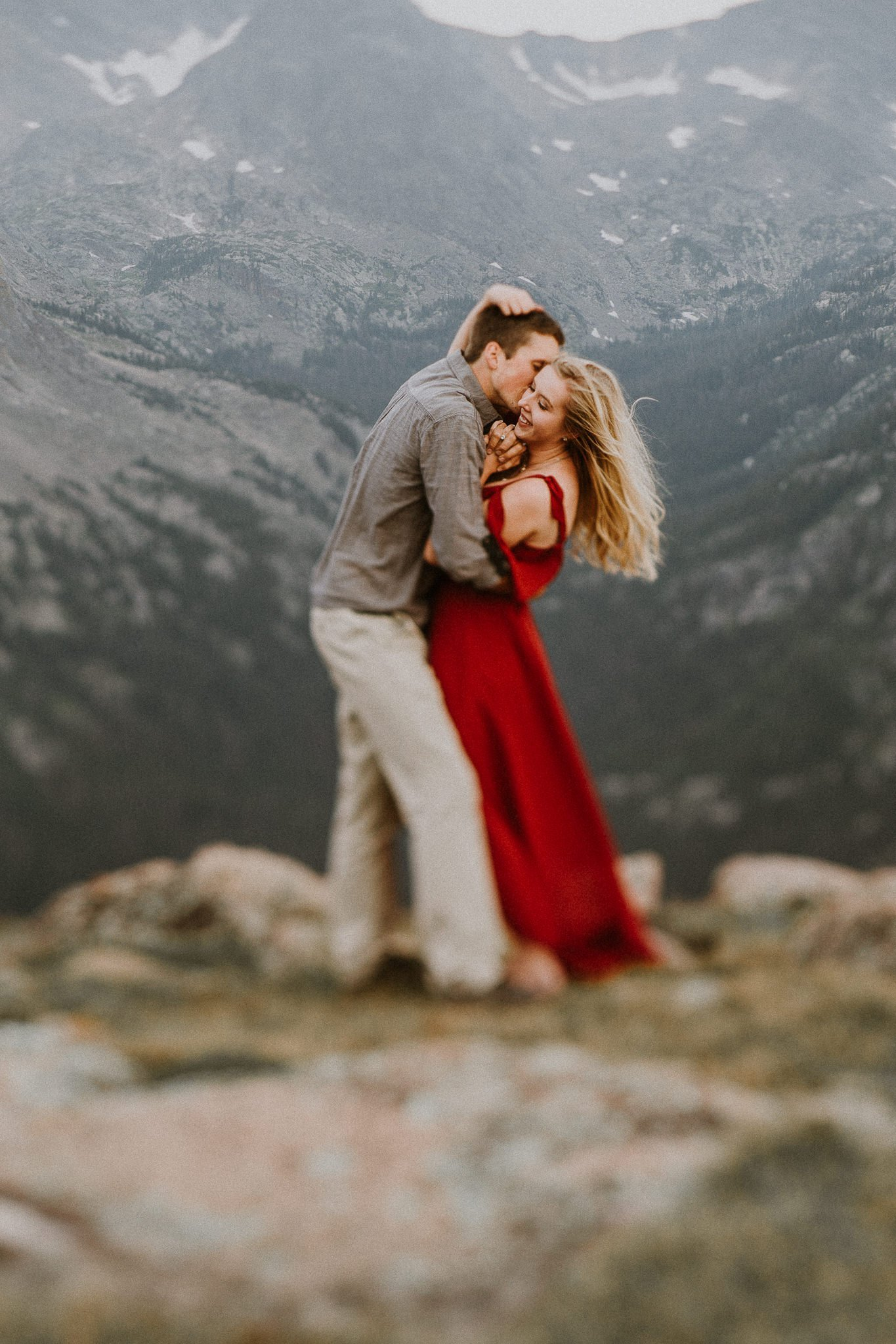 ESTES PARK WEDDING PHOTOGRAPHY |TRAIL RIDGE ROAD ENGAGEMENT I Marissa + Nick | JUSTYNA E BUTLER PHOTOGRAPHY | ROCKY MOUNTAIN NATIONAL PARK ENGAGEMENT |COLORADO MOUNTAIN ENGAGEMENT PHOTOGRAPHER