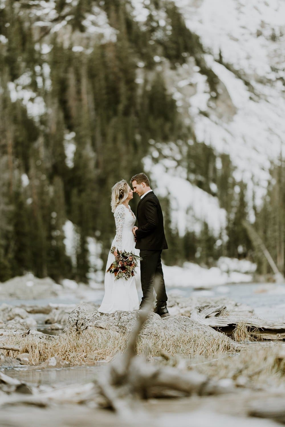 DREAM LAKE ADVENTUROUS ELOPEMENT I GABBY + ROBERT I Intimate Wedding Photographer I ROCKY MOUNTAIN ELOPEMENT PHOTOGRAPHER| JUSTYNA E BUTLER PHOTOGRAPHY | ROCKY MOUNTAIN NATIONAL PARK ELOPEMENT PHOTOGRAPHER| COLORADO MOUNTAIN ADVENTUROUS ELOPEMENT PHOTOGRAPHER|INTIMATE WEDDING