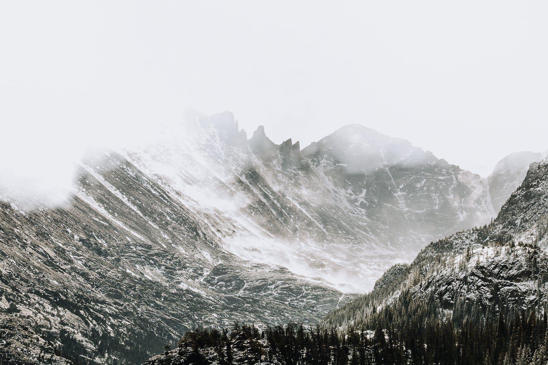 ROCKY MOUNTAIN WINTER ELOPEMENT| |DREAM LAKEELOPEMENT| WHITNEY + JONATHAN |JUSTYNA E BUTLER PHOTOGRAPHY| ROCKY MOUNTAIN NATIONAL PARK ELOPEMENT| COLORADO MOUNTAIN ADVENTUROUS ELOPEMENT PHOTOGRAPHER|INTIMATE WEDDING| ADVENTURE