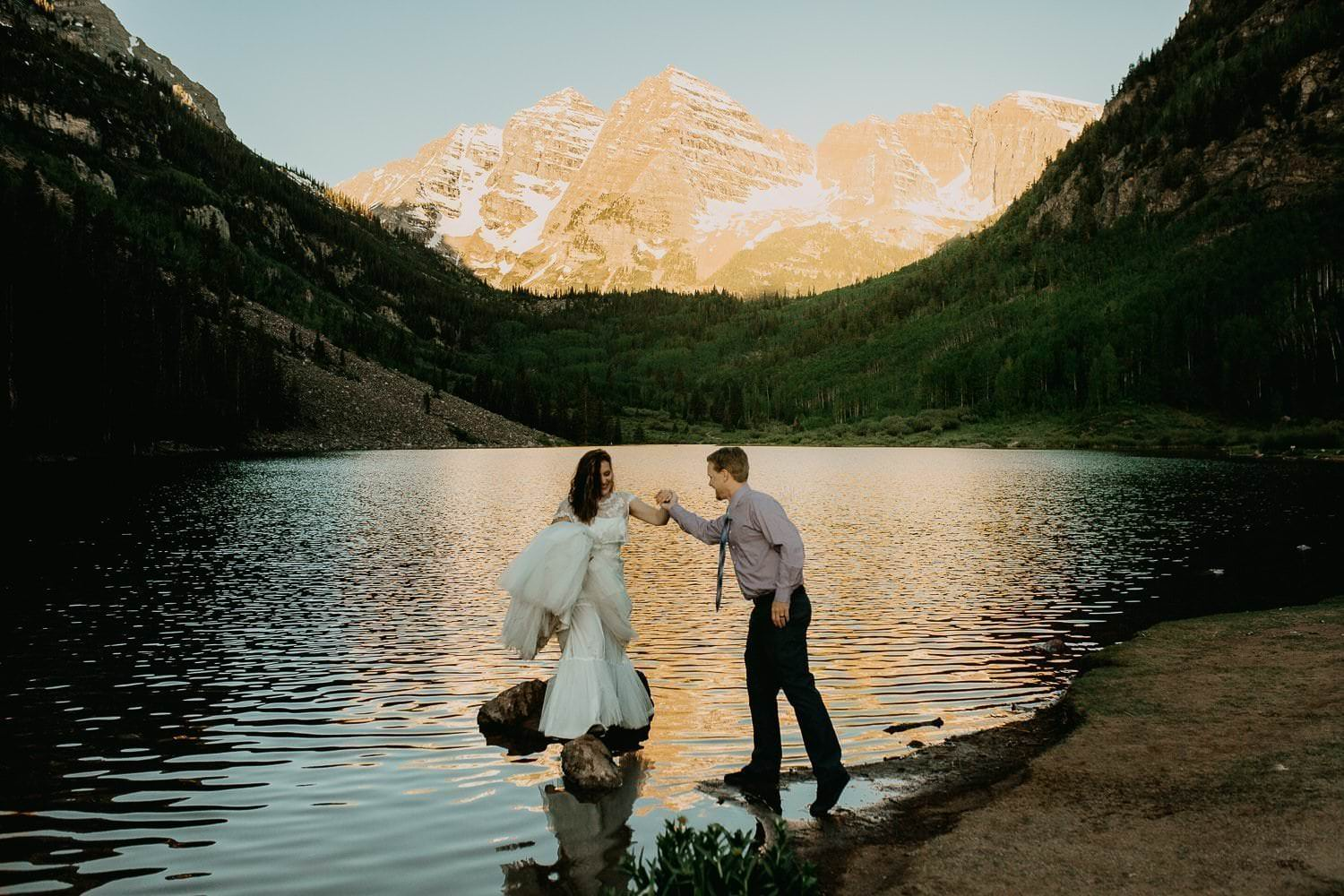 MAROON BELLS HIKING ADVENTURES|ASPEN COLORADO MOUNTAIN ADVENTURES|INDEPENDENCE PASS HIKING ADVENTURES|ASPEN SNOWMASS WHITE RIVER NATIONAL FOREST ADVENTURES|ADVENTURE ELOPEMENTS|HIKING ADVENTURE|AMY+ IAN|INTIMATE WEDDING + ADVENTUROUS ELOPEMENT PHOTOGRAPHER