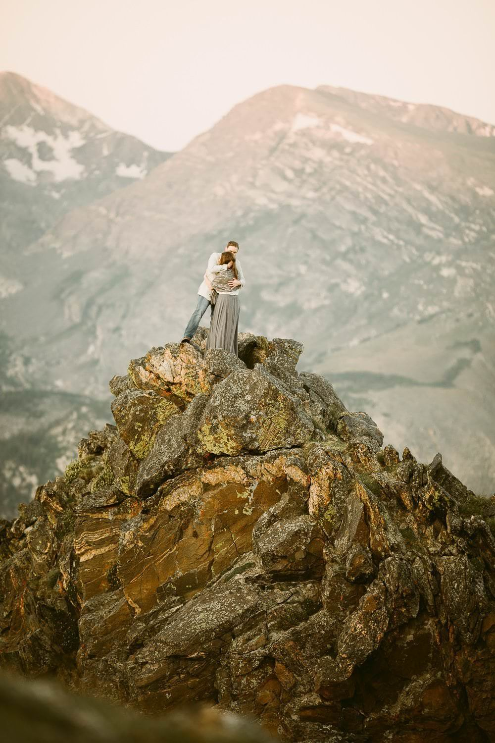 COLORADO ALPEN GLOW ADVENTURES|SUNRISE HIKING ADVENTURES|ROCKY MOUNTAIN NATIONAL PARK WEDDING PHOTOGRAPHER|CLIFF+AMY|JUSTYNA E BUTLER PHOTOGRAPHY|ADVENTURE HIKING ELOPEMENT PHOTOGRAPHER|CREATIVE WEDDING PHOTOGRAPHY FOR ADVENTUROUS COUPLES|COLORADO MOUNTAIN WEDDING PHOTOGRAPHER
