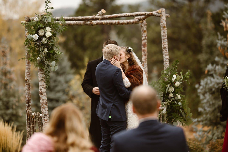 OLIVER'S + ALYSSA DESTINATION ADVENTURE MOUNTAIN INTIMATE WEDDING | DESTINATION WEDDING PHOTOGRAPHER|ESTES PARK COLORADO ADVENTURE WEDDING PHOTOGRAPHER | THE STANLEY HOTEL INTIMATE WEDDING|COLORADO MOUNTAIN INTIMATE WEDDING |ROCKY MOUNTAINS WEDDING PHOTOGRAPHER