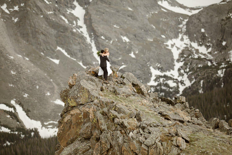 elopement-photographer-adventure-weddings-rocky-mountain-adventures-justyna-e-butler