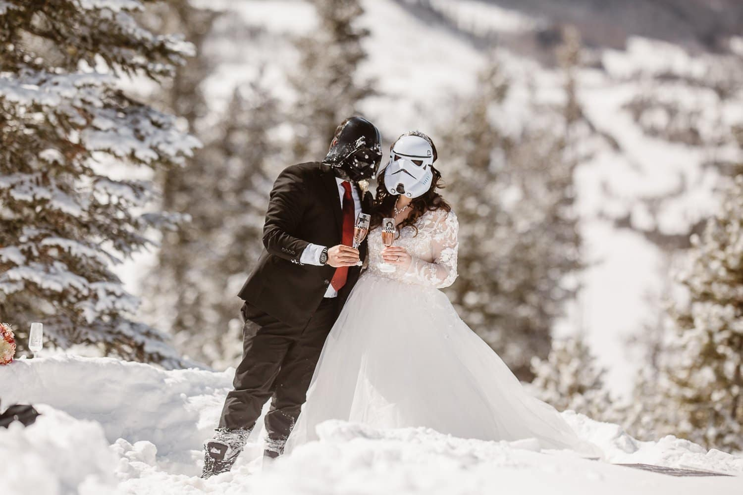 ROCKY MOUNTAINS COLORADO WINTER ELOPEMENT |COLORADO DESTINATION ADVENTURE ELOPEMENT PHOTOGRAPHER