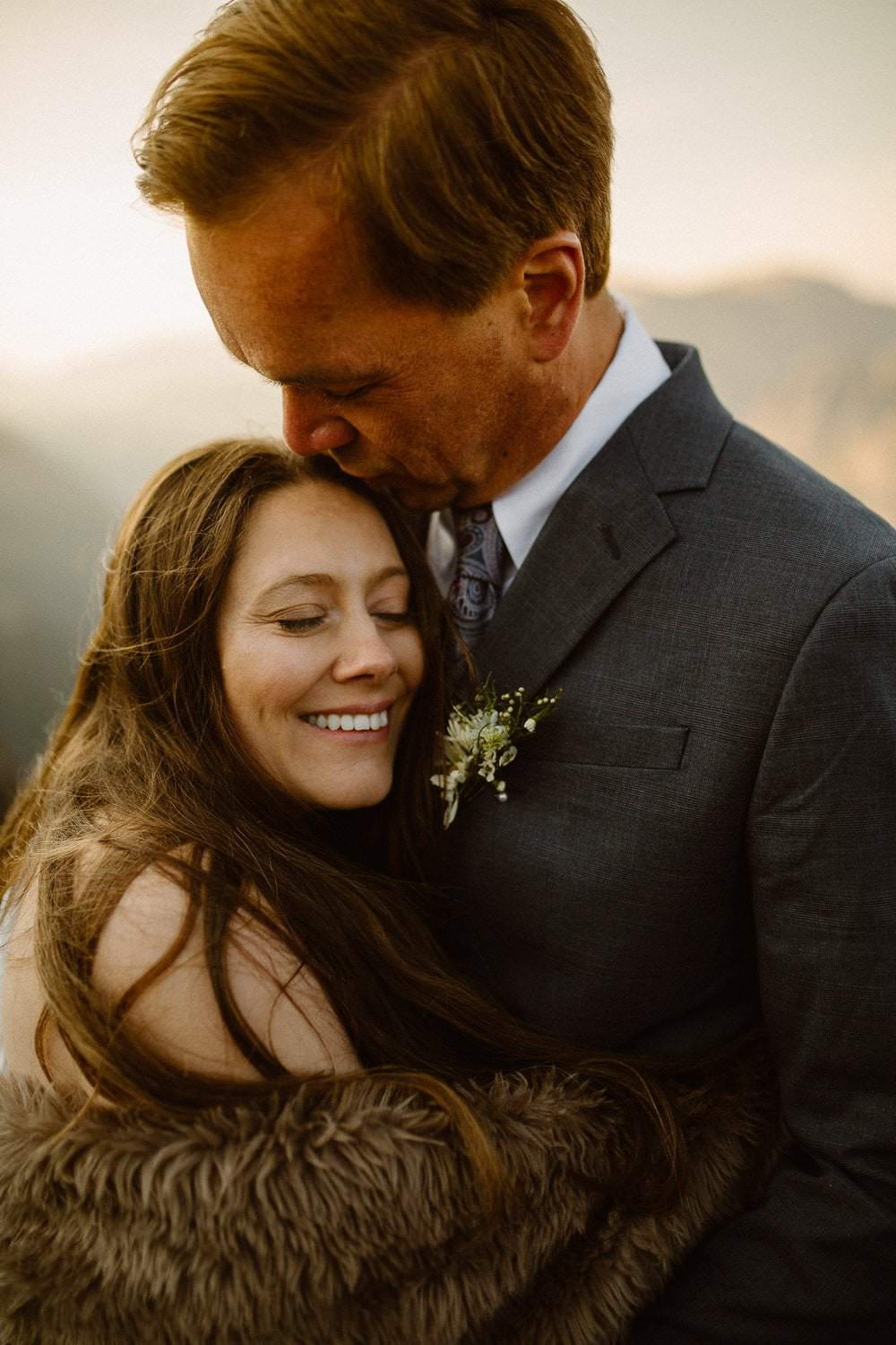 Colorado is your best places to elope in the summer. Colorado Intimate Weddings and Adventure Elopement Photographer | Rocky Mountain National Park Wedding Photographer | Adventure
