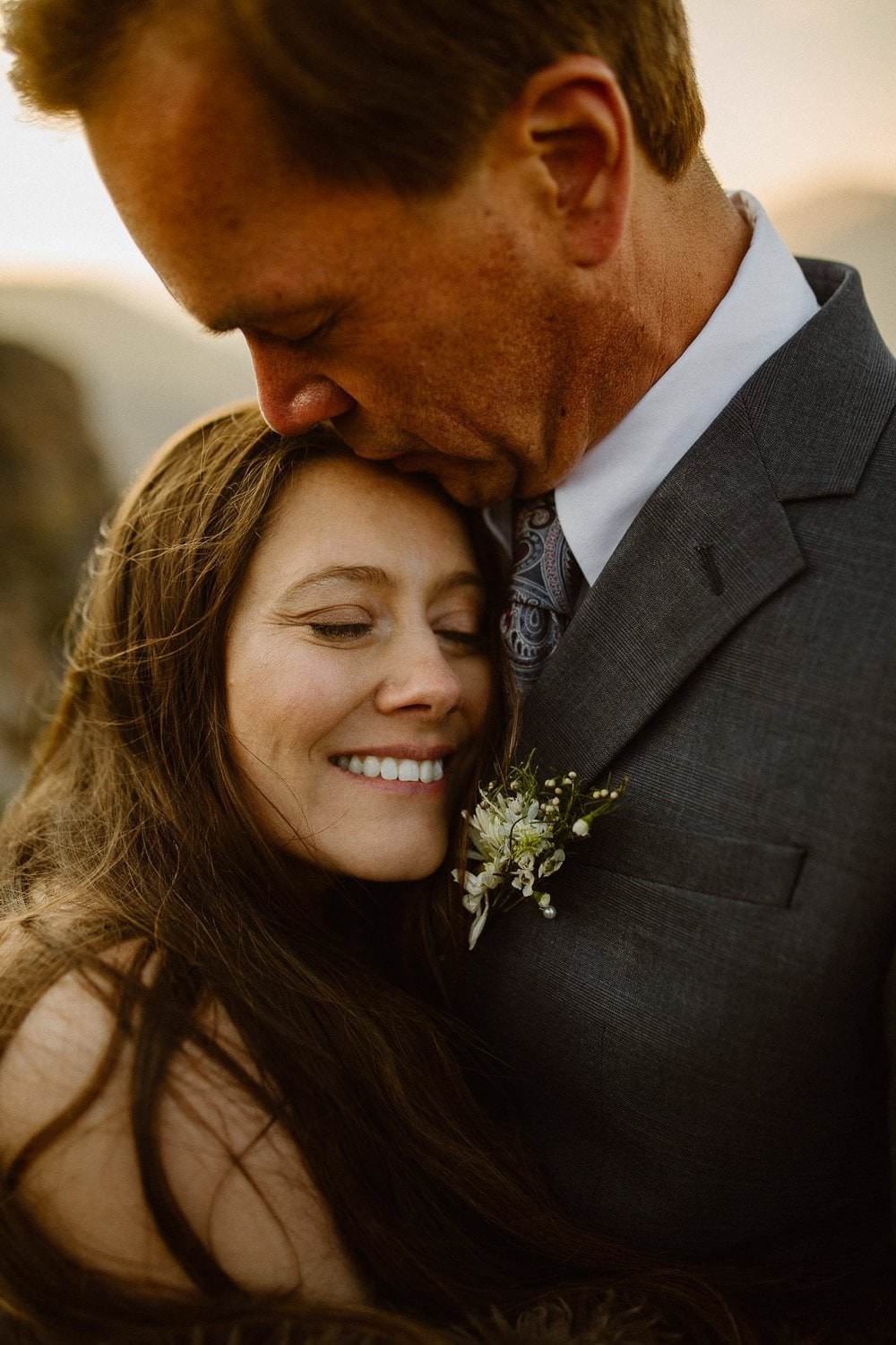 What to expect when eloping in Colorado in the summer. Colorado Intimate Weddings and Adventure Elopement Photographer | Rocky Mountain National Park Wedding Photographer | Adventure