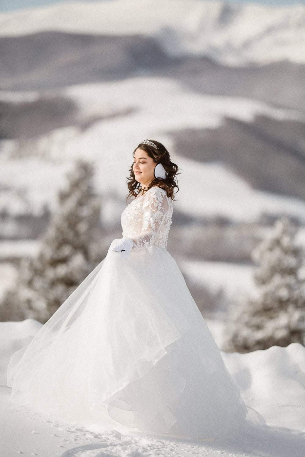 ROCKY MOUNTAINS COLORADO WINTER ELOPEMENT |COLORADO DESTINATION ADVENTURE ELOPEMENT PHOTOGRAPHER|