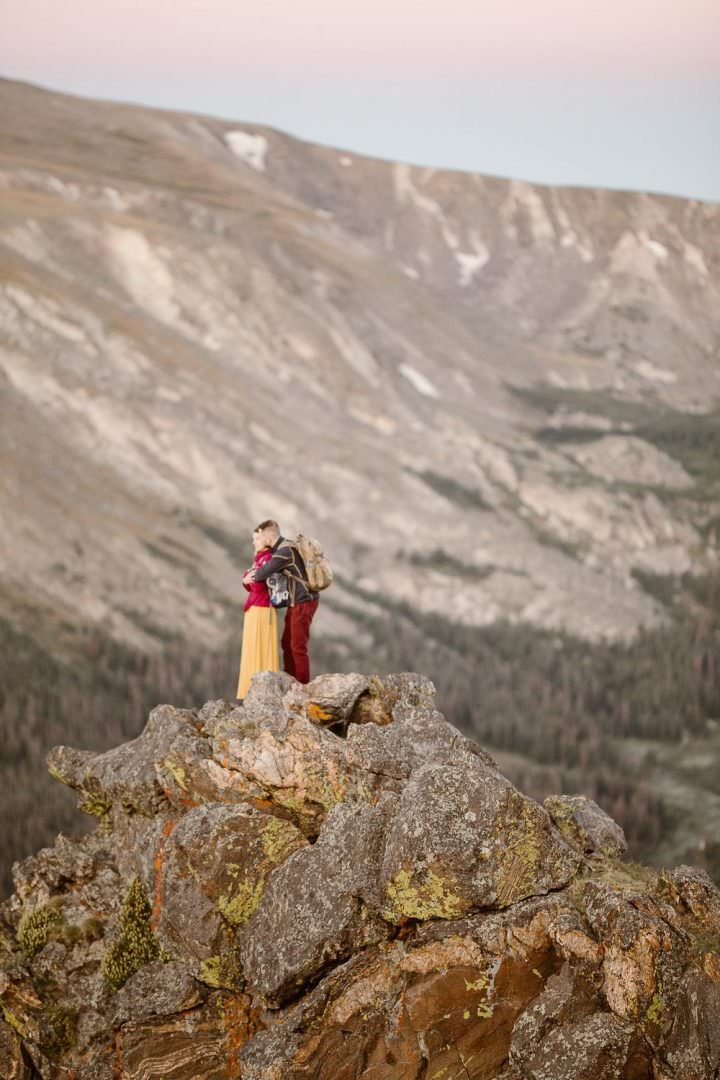 HOW TO ELOPE THE ADVENTUROUS WAY|FROM THE REAL COUPLES |ROCKY MOUNTAIN ELOPEMENT PHOTOGRAPHER FOR COUPLES WHO ARE TRULY ADVENTUROUS AT HEART, COUPLES WHO PREFER HIKING BOOTS OVER HEELS| COLORADO ELOPEMENT PHOTOGRAPHER