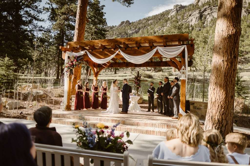 We're Obsessed with Every Inch of This Wedding Venue at DELLA TERRA MOUNTAIN CHATEAU COLORADO WEDDING | COLORADO WEDDING PHOTOGRAPHER | ESTES PARK COLORADO