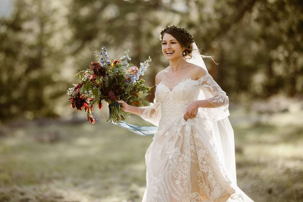 We're Obsessed with Every Inch of This Mountain Wedding at DELLA TERRA MOUNTAIN CHATEAU COLORADO WEDDING | COLORADO WEDDING PHOTOGRAPHER | ESTES PARK COLORADO