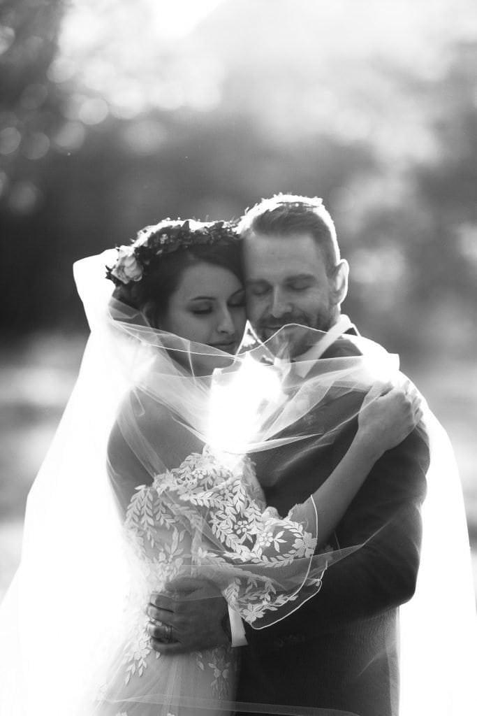 ROMANTIC BRIDAL SUNSET PHOTOS AT DELLA TERRA MOUNTAIN CHATEAU COLORADO WEDDING | COLORADO WEDDING PHOTOGRAPHER | ESTES PARK COLORADO