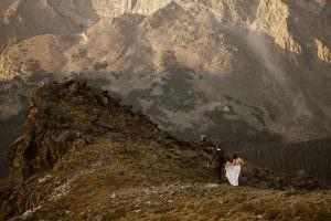 colorado-best-adventure-elopement-photographer-destination-weddings-Justyna-E-Butler-estes-park-vail-breckenridge-aspen-boulder-weddings-rocky-mountains
