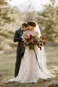 JUSTYNA E BUTLER PHOTOGRAPHY | WEDDINGS + ELOPEMENTS 2019 JUSTYNA E BUTLER PHOTOGRAPHY | ADVENTURE WEDDINGS + ELOPEMENTS 2019 in REVIEW FEATURED ON GREEN WEDDING SHOES | AS SEEN ON JUNEBUG WEDDINGS | Rocky Mountain BRIDE